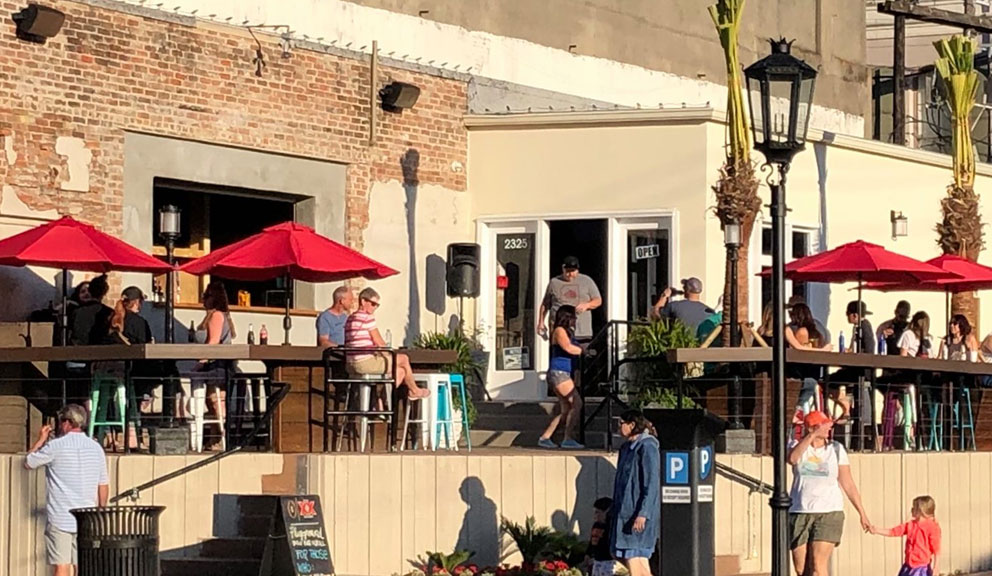 Exterior View of Playground Patio Bar & Grill, Galveston