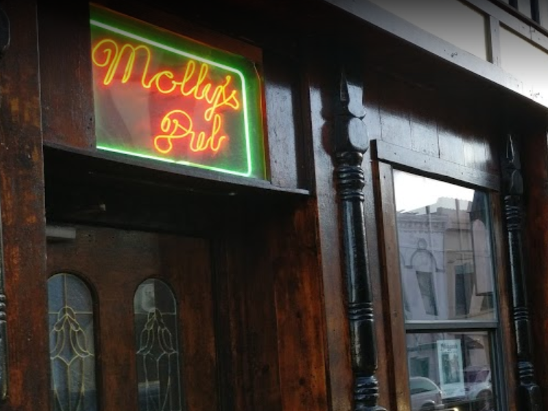 Mollys-Old Cellar Bar