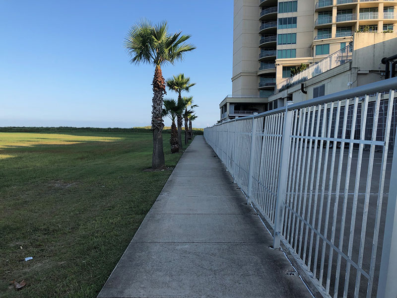Beach Access Point 1B at Palisade Palms Sidewalk to Beach