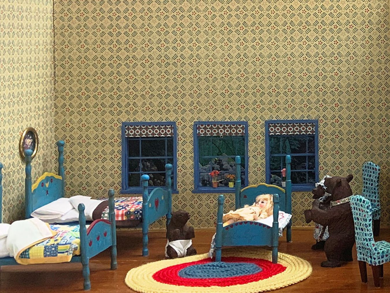 Rosenberg Library's Goldilocks and the Three Bears Diorama