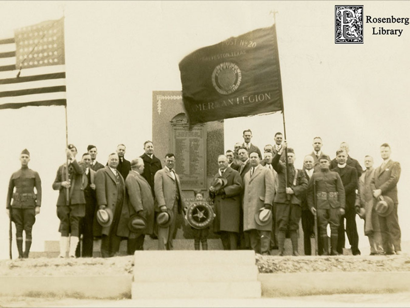 Members of American Legion at WWI Memorial in 1927