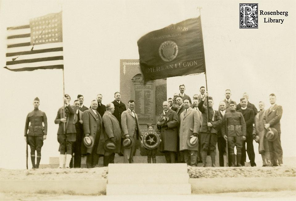 Members of American Legion at WWI Memorial in 1927